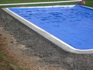 Travaux piscine le blog mitch28 for Ceinture beton piscine coque