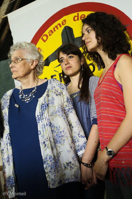 Remise de la Légion d'Honneur à la journaliste d'investigation Marie-Monique Robin. La Vache-Rit. Notre Dame des Landes le 8 juin 2013