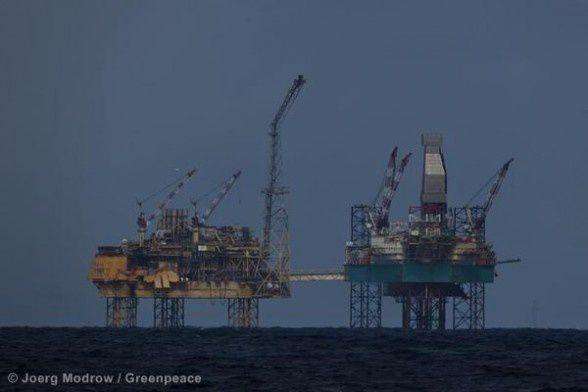 Total-Greenpeace-avril12.jpg
