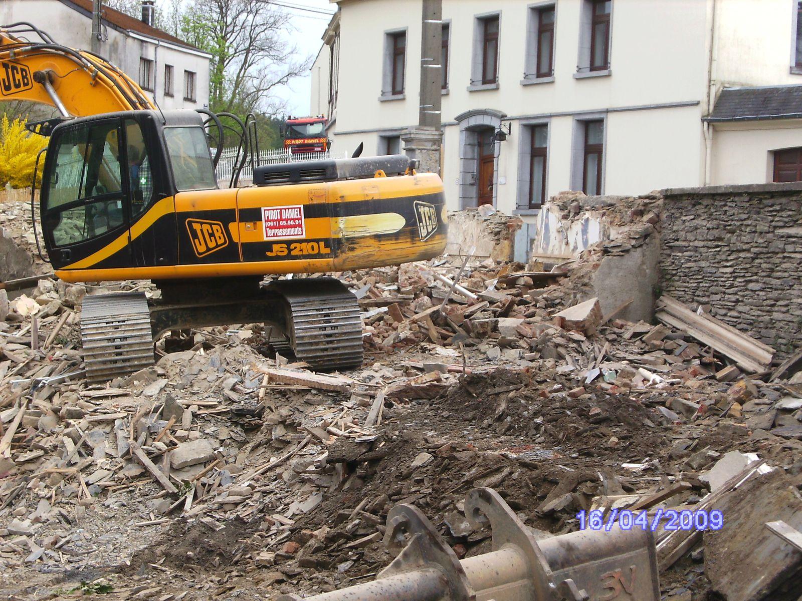 Destruction d 39 une maison le blog chestrolais - Destruction d une maison ...