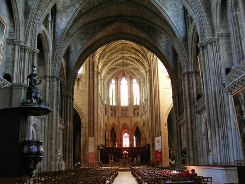france-bordeaux-cath--drale-int--rieur.jpg