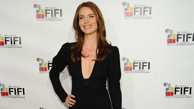 saffron-burrows-finder-bones.jpg