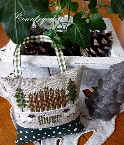 Coussin-hiver-1countrydeco.over-blog.jpg