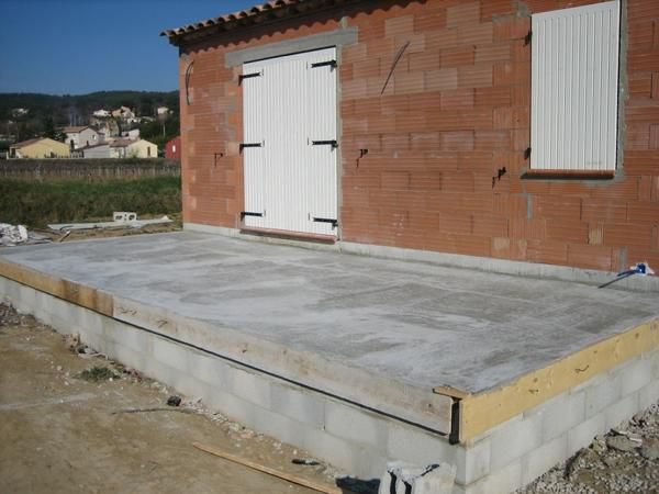 Faire une terrasse en dalle matelas 2017 for Couler dalle beton garage