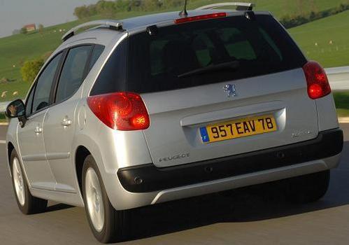 Peugeot-207-SW-1.JPG