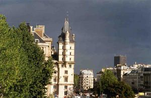 racontage-d-images-de-parisconciergerie-orage.jpg
