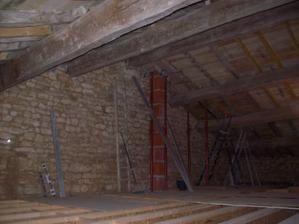 La chemin e renovation d 39 une grange for Construire un conduit de cheminee exterieur