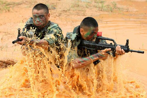 China-soldiers-training-2010.jpg