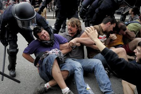 repression-espagne-mai-2011.jpg