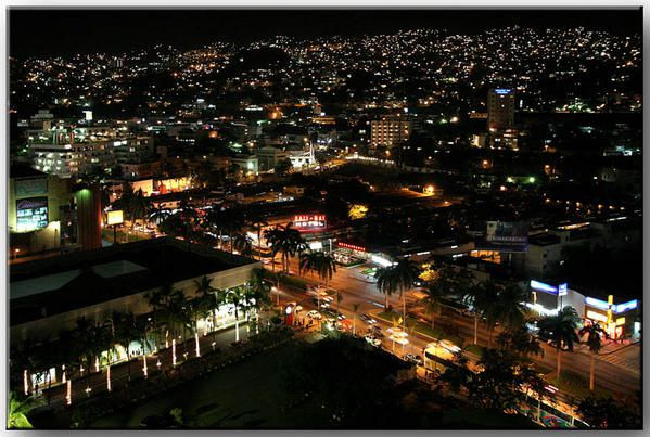 2421-img-4146-Acapulco-by-night-72.jpg