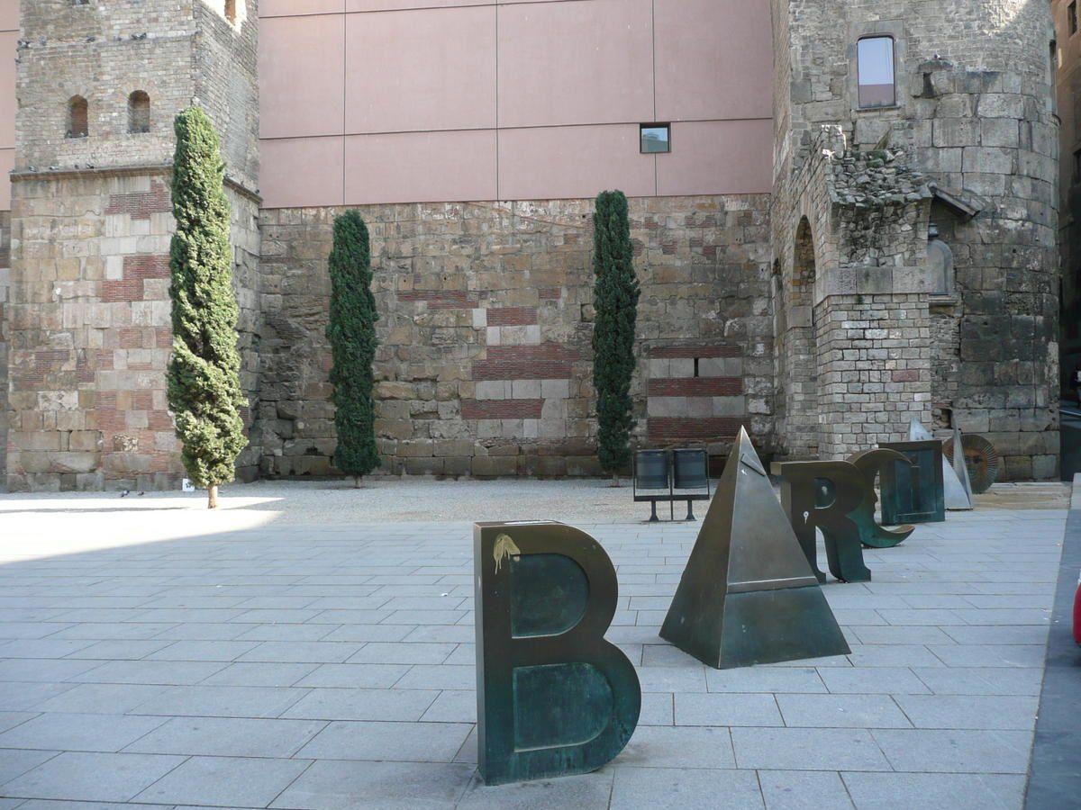 Barri-Gotic---Pla-a-Nova--2-.jpg