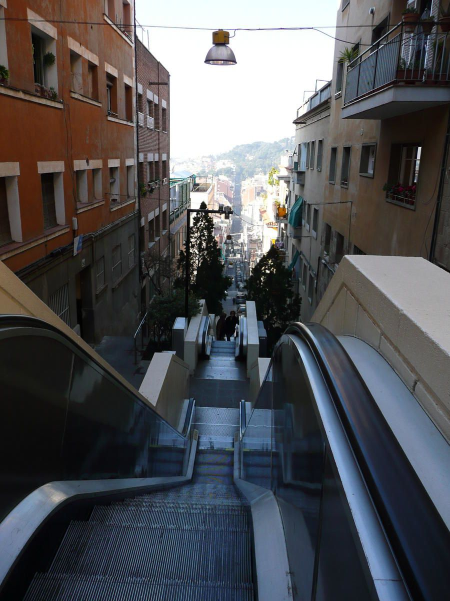 Parc-G-ell---escalators.jpg