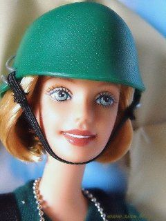 barbie_soldat_inside_small.jpg