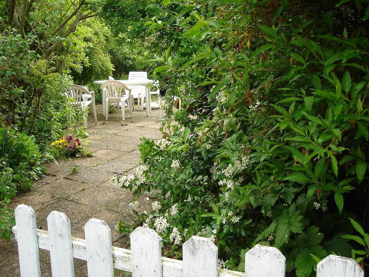 Un dimanche en bourgogne un petit coin de paradis for Jardin anglais terrasse