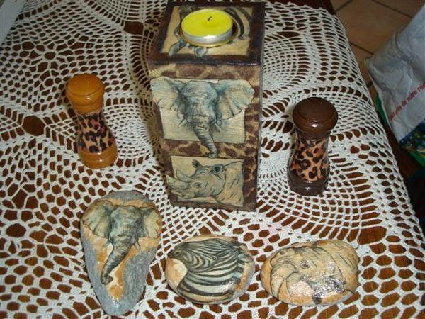 galets peints série Afrique