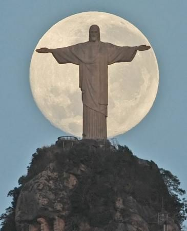 Christthe-Redeemer-in-Rio-009.jpg