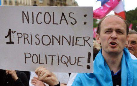 7762567793_les-opposants-au-mariage-gay-soutiennent-nicolas.jpg