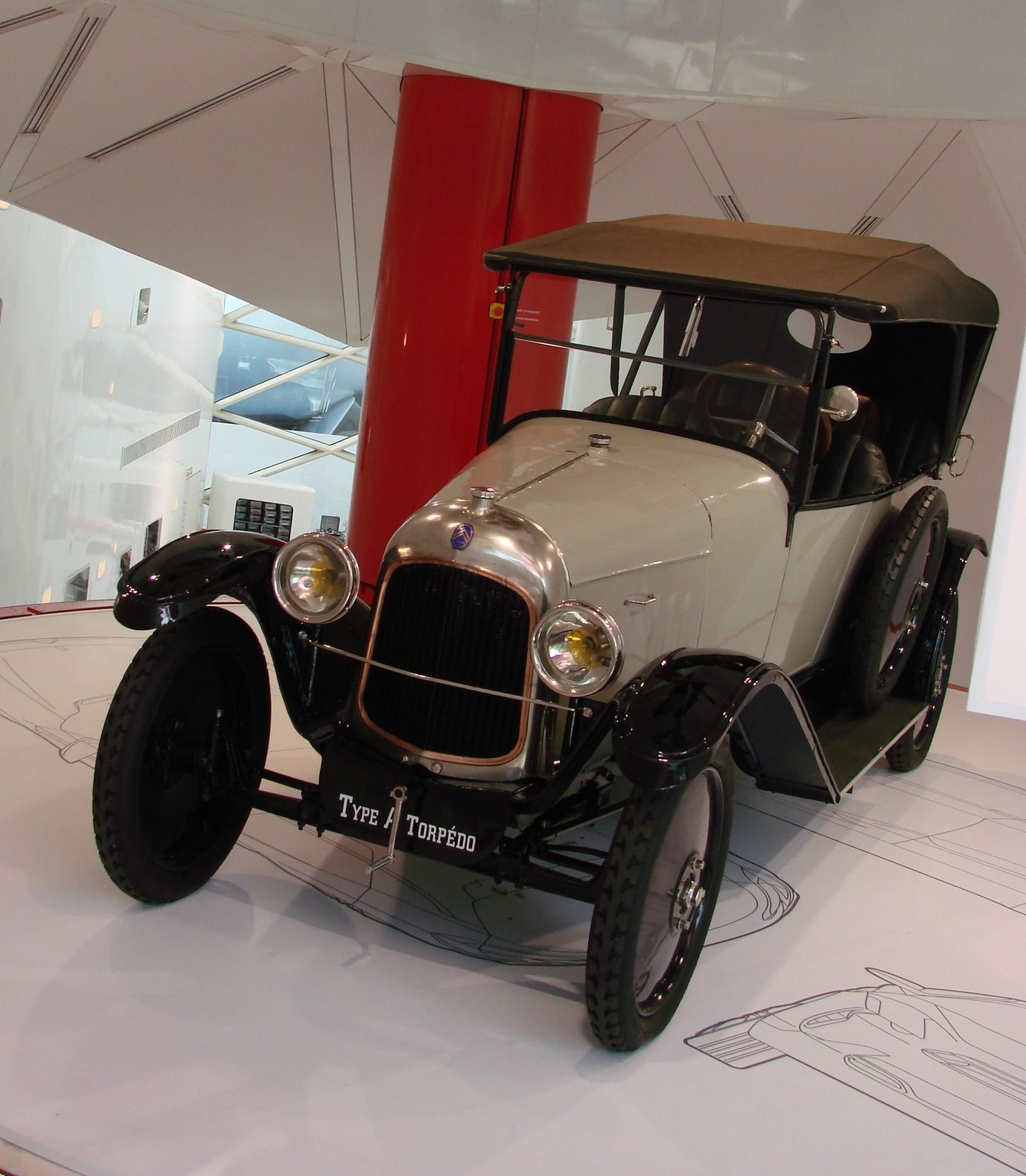 gros plan citro n 10 hp type a 1919 passion autos prestiges anciennes. Black Bedroom Furniture Sets. Home Design Ideas