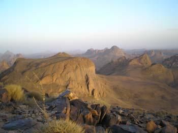 AHAGGAR : en TAMACHEQ HOGGAR : en ARABE LA PARTIE MONTAGNEUSE DU DESERT