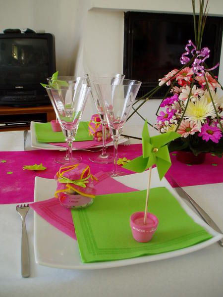 Decoration bapteme fille vert et rose - Decoration table mariage fushia ...