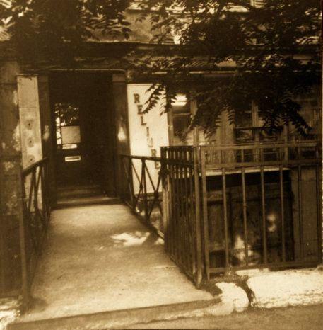 1961-D--c.-PARIS-Entr--e-de-la-rue-Mabillon.jpg