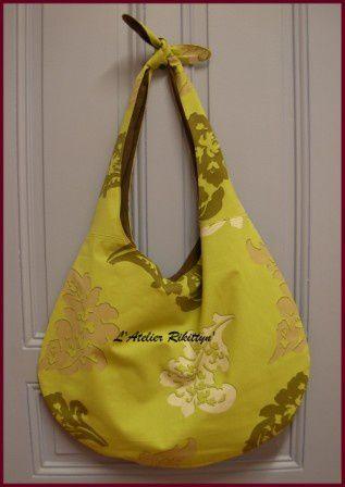 Quelques-unes de mes petites créations côté sacs et accessoires.