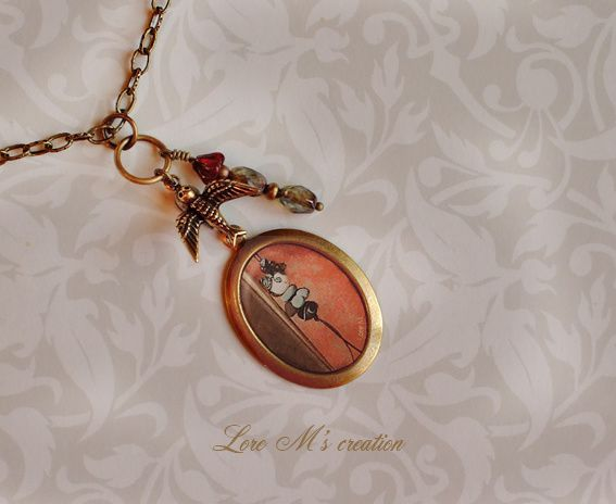 Jewel (médaillon, collier), beautiful necklace and bird (oiseau) with Lily Cake. Lore M's creation.