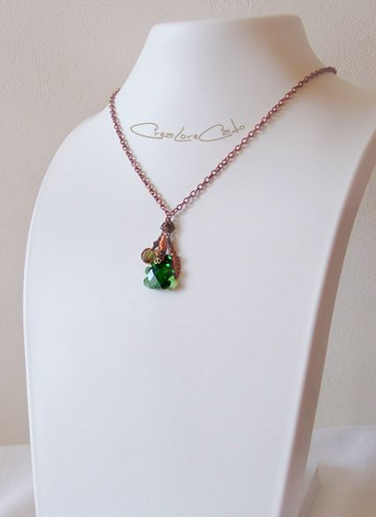 collier-ours-cristal-taille-vert-Lore-M-nounours.jpg