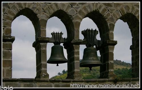 cloches-de-Leyvaux-vers-Blesles.jpg
