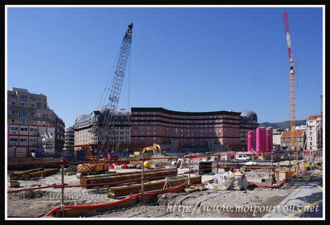Le-Grand-Carre-de-Jaude-chantier-Avril-2011.jpg