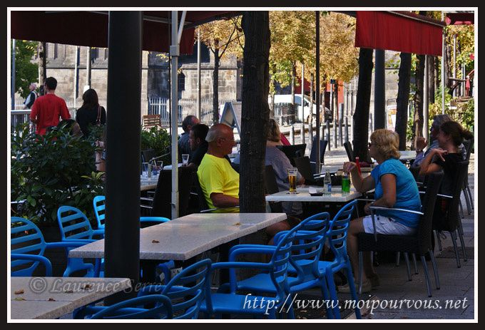 Clermont-Ferrand-Place-de-la-Victoire-couleurs-ASM.jpg