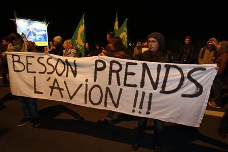 OFRTP-FRANCE-EXPULSIONS-BESSON-20091025