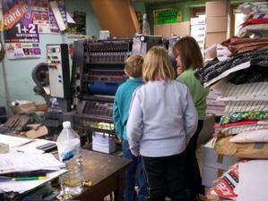 place aux enfants wellin 2007 imprimerie banneux Emilie Coquin, Lucie Petitjean, Manoe Florizoone et Esteban Flament