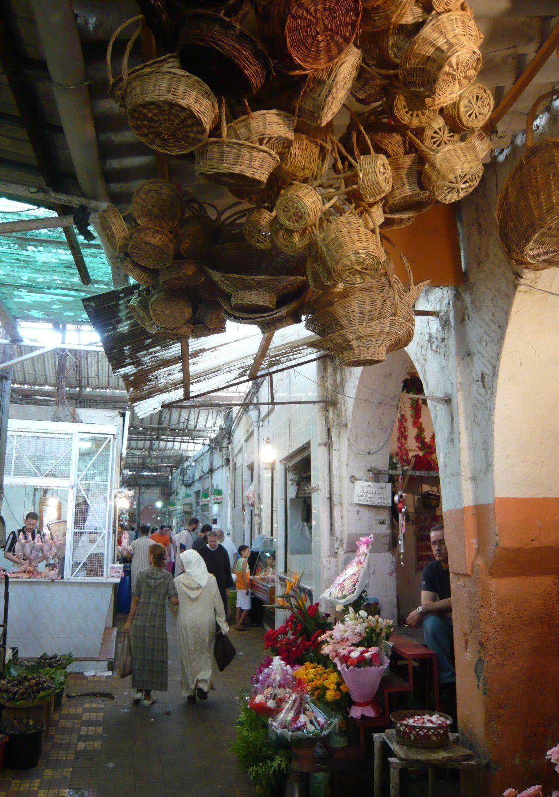"""Photos insolites de Tanger (une partie de ces images et d'autres se trouvent dans le livre que j'ai publié """"Tanger Médina, ruelles et rencontres"""")"""