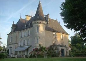 chateau-chabroulie-ext-2.JPG