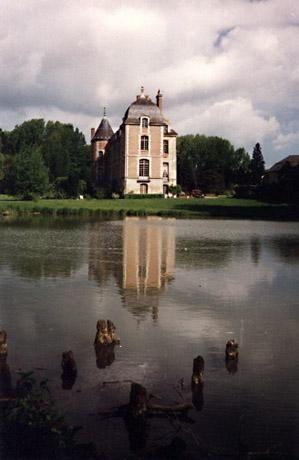 chateau-fosseuse-ext-2.JPG