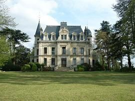chateau-camperos-ext-2.JPG
