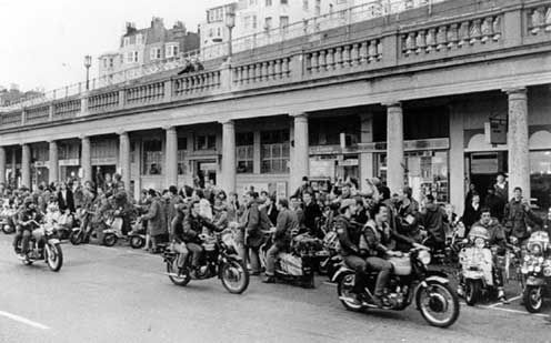 mods-rockers_brighton1.jpg