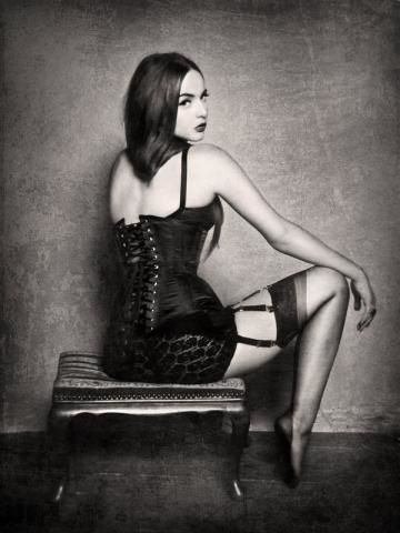 BSeduction_Noir_by_DarkVenusPersephonae.jpg