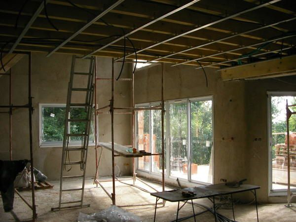 Pose brique platriere plafond for Pose plafond suspendu