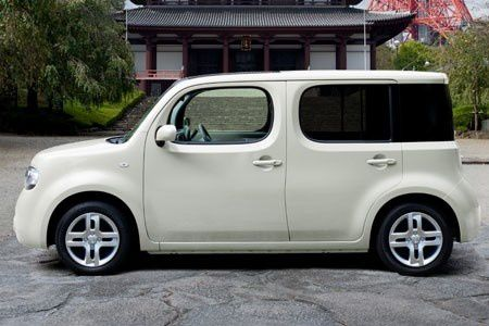 la nissan cube voiture culte au japon le blog de musme. Black Bedroom Furniture Sets. Home Design Ideas