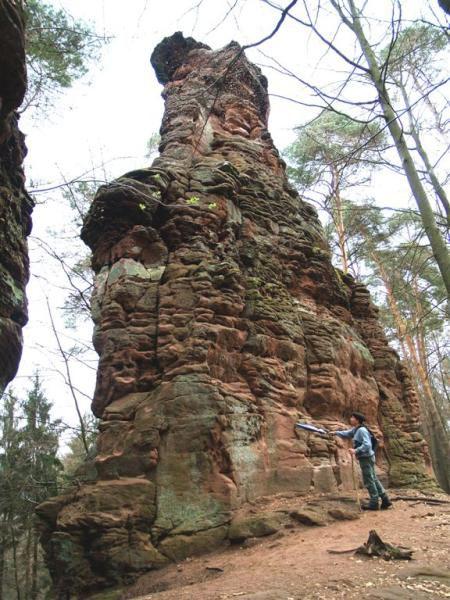 Randonnées dans le Palatinat, Dahn (Hochstein), Hauenstein (Backelstein, Lanzenfarterfels, Burghalder), Hinterweidenthal (Rappenfelsen), Annweiler (Trifels), Skulpturenweg à Ludwigswinkel