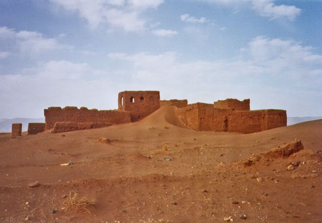 Séjour au maroc en 1999 et 2002  chez les nomades du Sahara Marocain (region de Zagora), avec Lahcen Amdiaz, fils de nomades, pour guide.(Certaines photographies sont de Jean-Luc Krekels)