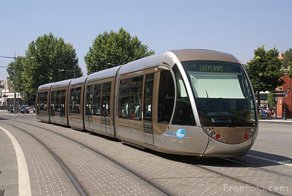 807_32_1968---Nice-Tram-running-on-battery-power_web.jpg