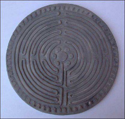 Labyrinthe-gris.jpg