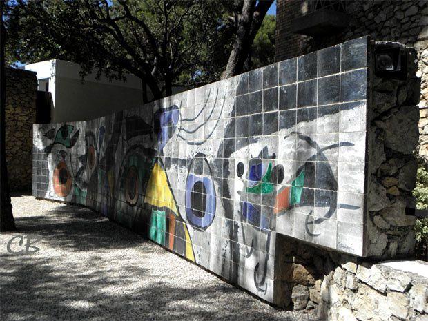 Joan Miró mur en céramique