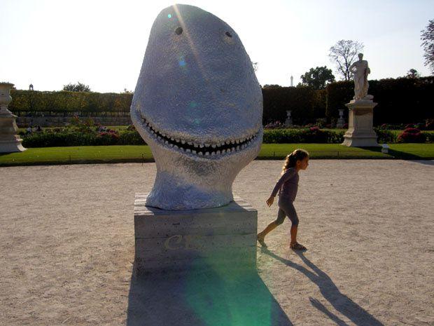ugo Rondinone sculpture argentée