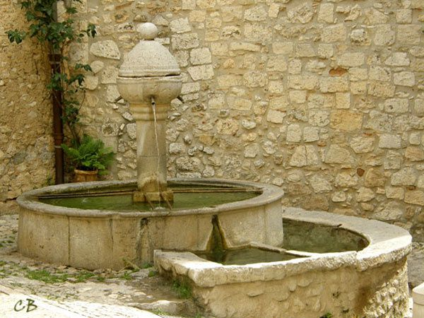 Peille fontaine
