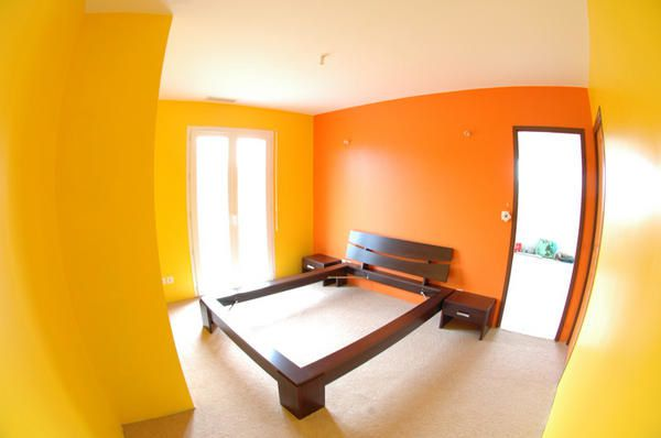 Awesome Chambre Orange Et Jaune Photos - House Design - marcomilone.com