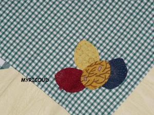 nappe-Paques-oeufs.JPG